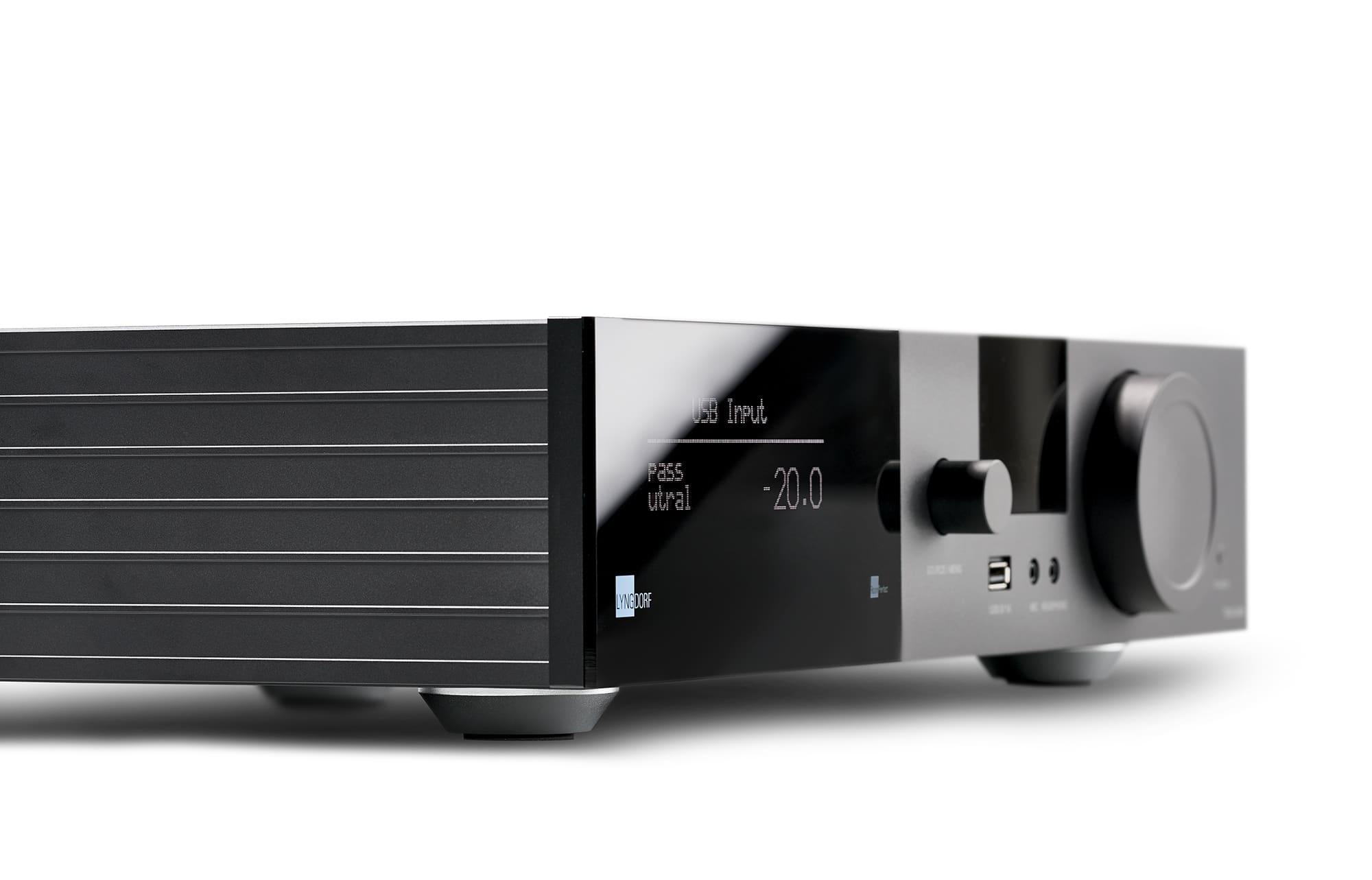 Lyngdorf TDAI 3400 amplifier